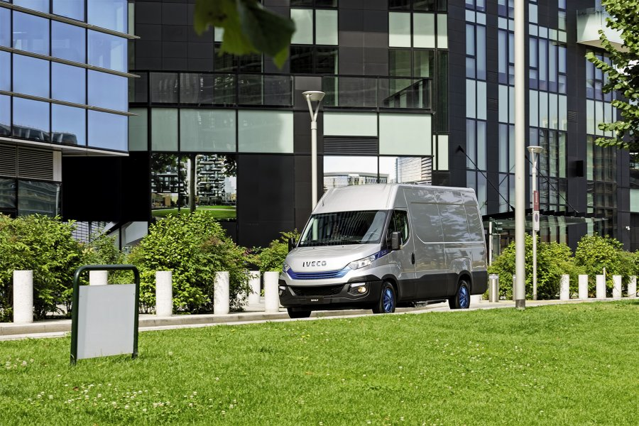 iveco-daily-blue-Power.jpg